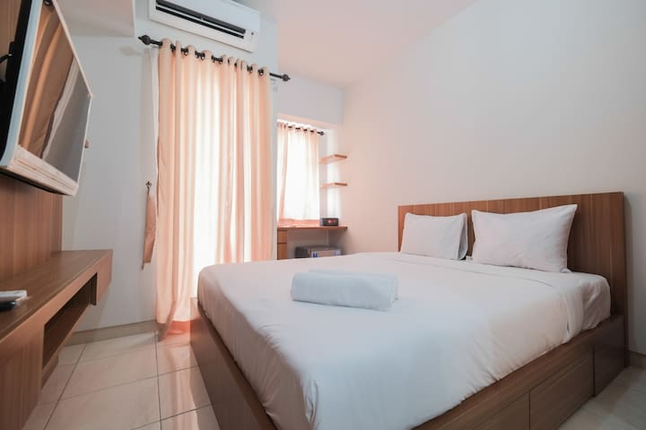 Comfy Studio Apartment @ The Springlake Summarecon