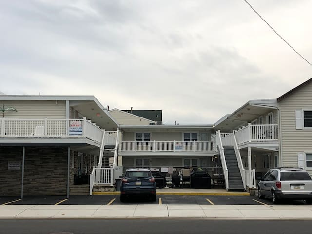 North Wildwood 1st Floor Beach Block Condo