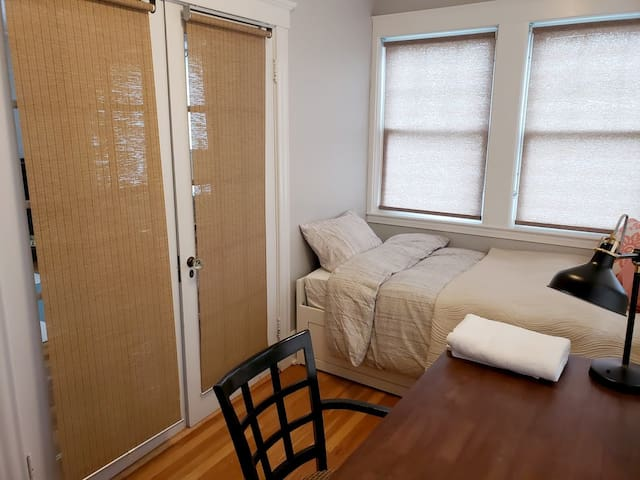 Office Den with Single Bed in Beautiful Apartment