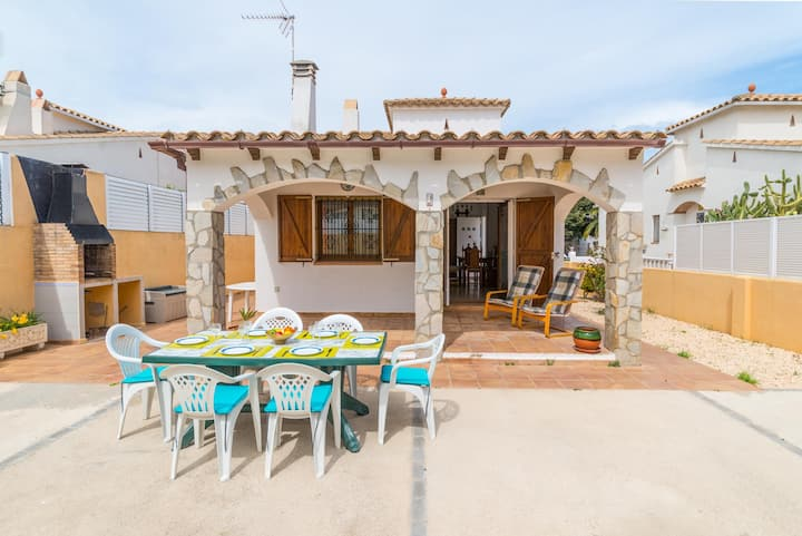 Veni: Holiday home 600m from the beach