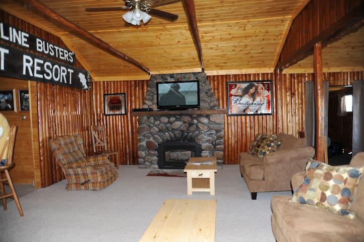 Lakefront Cabin Getaway, Cabin 5