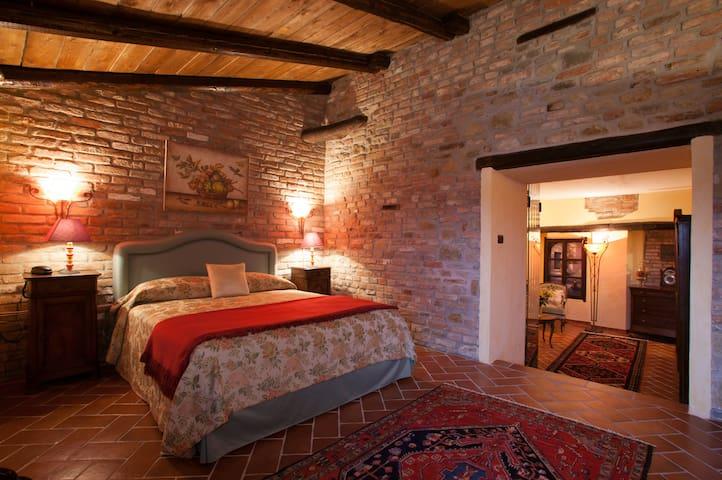 Suite Brachetto, La Maragliana, Monferrato, Unesco - Castel Rocchero - Obsługiwany apartament
