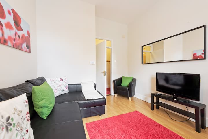 FREE PARKING**CITY CENTRE*large 2bed