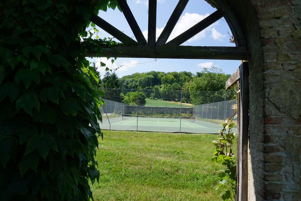 Votre tennis privé sur le second jardin