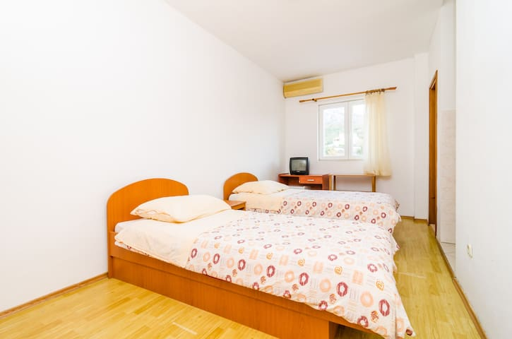 Apartments Šmanjak - Studio with City View - Zvekovica - Apartment