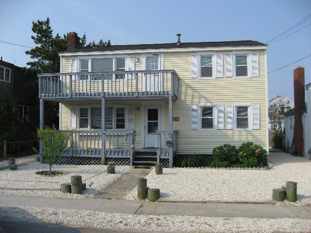 Beach Haven 2 Bdrm - Center of Beach Haven