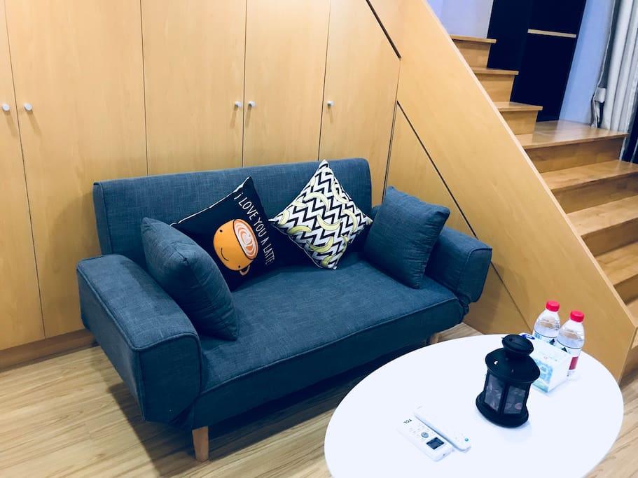 客厅沙发•适合休闲倚靠