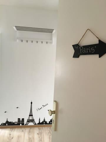 Wohnung Paris Style nur 8min zum Zentrum per Bahn