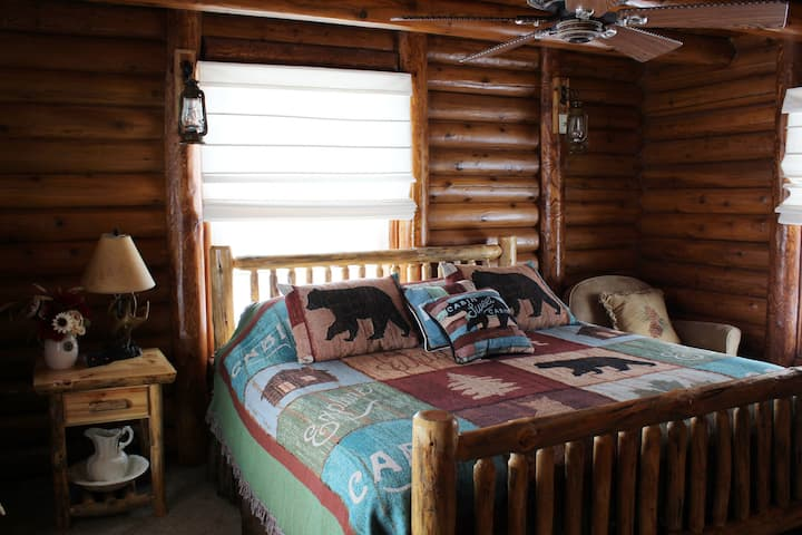 Alice's Cozy Grand Canyon Cabin: South Rim