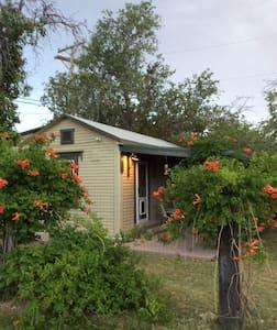 El Paso Country Club Cottage - El Paso