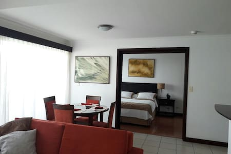 LUXURY 1 BEDROOM APT IN CENTRAL COMPLEX SANTA ANA