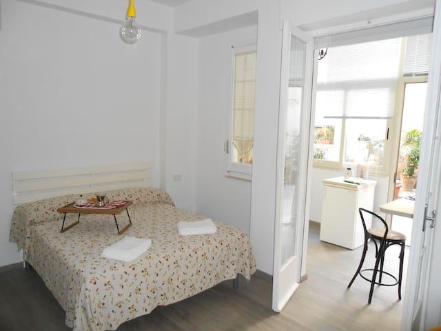 mini appartamento piazza carmine - Reggio Calabria - Lejlighed