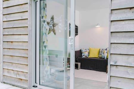 NEW  Luxury retreat in Croyde Bay - Cabaña