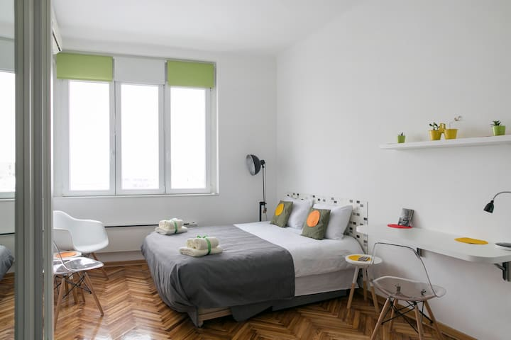 Belgrade Loft Apartment 2 + free airport transfer