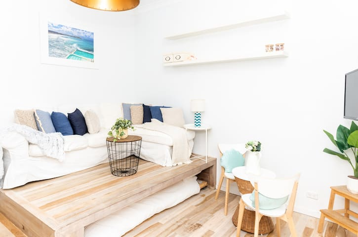 Ocean Breeze, Bondi Beach Studio