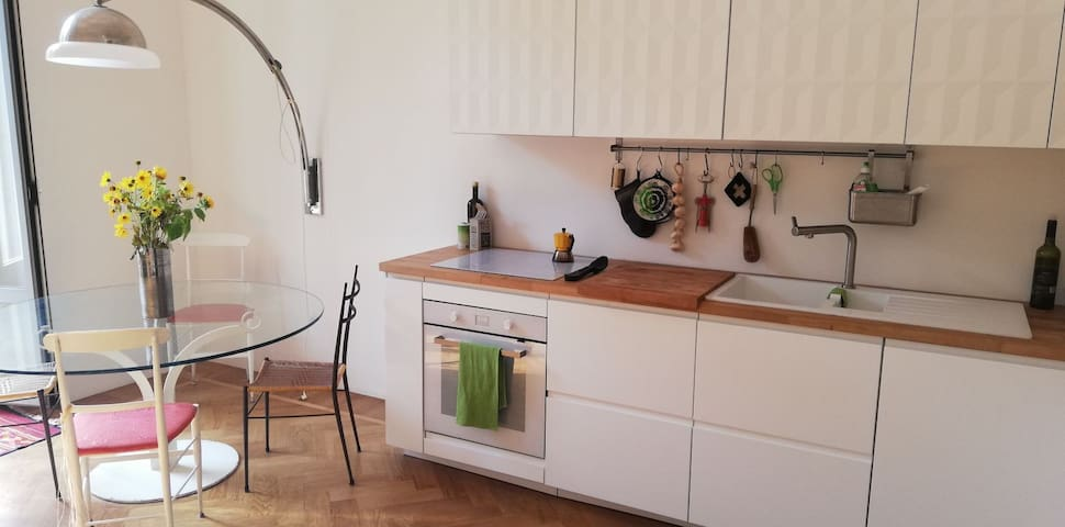 electric kitchen oven  & stove