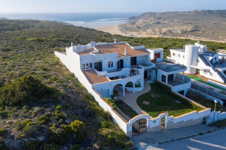 Casa Aurora - a peek into paradise