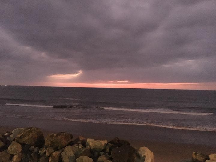 Departamento amoblado frente al mar Crucita.