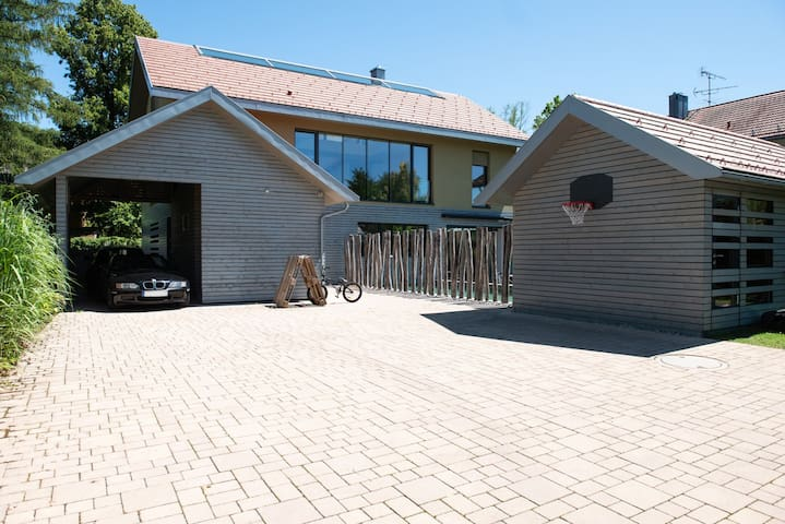 Courtyard, Carport and Shed