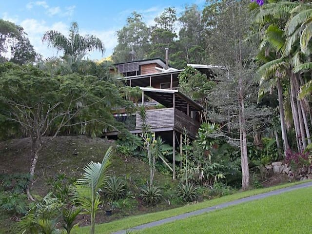 2 spacious bedrooms + own private bathroom - Currumbin Valley - Talo