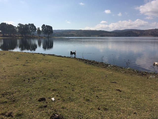 Casa con vista al lago, a 5 min de African Safari