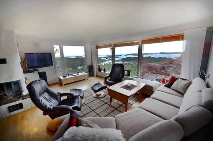 Stor moderne bolig med panoramautsikt på sørlandet - Arendal - Talo