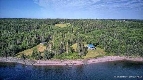 Maine Waterfront Estate Getaway