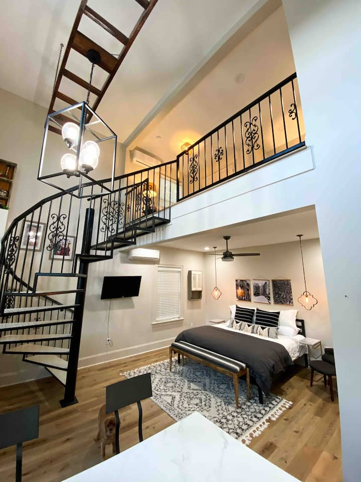 Brand NEW Luxury Lofted Cottage in Heart of Uptown