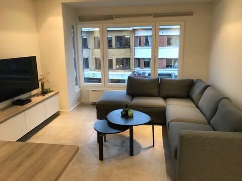 Gerenoveerd appartement met top ligging