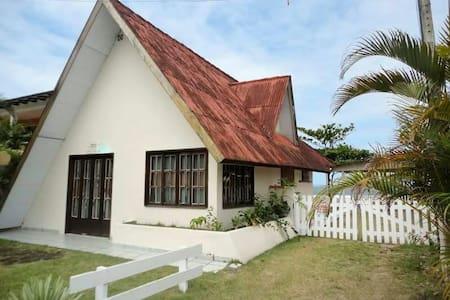 Chalé Pé na areia