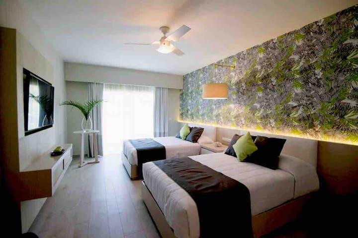 All Inclusive - VIP Premium Resort