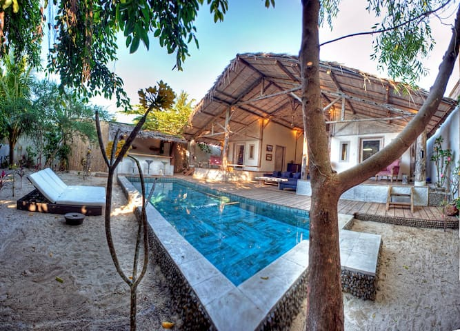 Gili trawangan 2 Bedroom private Pool Villa