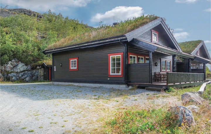 Stunning home in Hemsedal with Sauna and 4 Bedrooms
