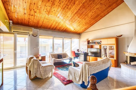 Lovely 150sqm maisonette with an attic