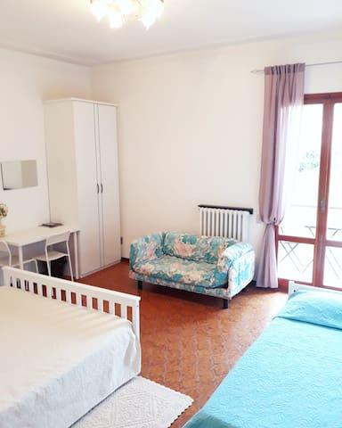 Casa di O. stanza privata 1