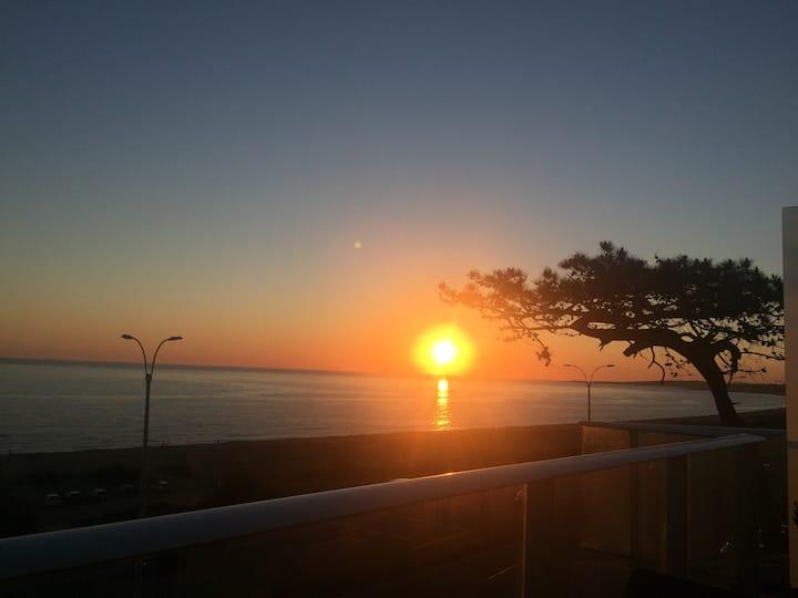 Punta del Este, frente a la playa. 1 Dorm 26 Mansa