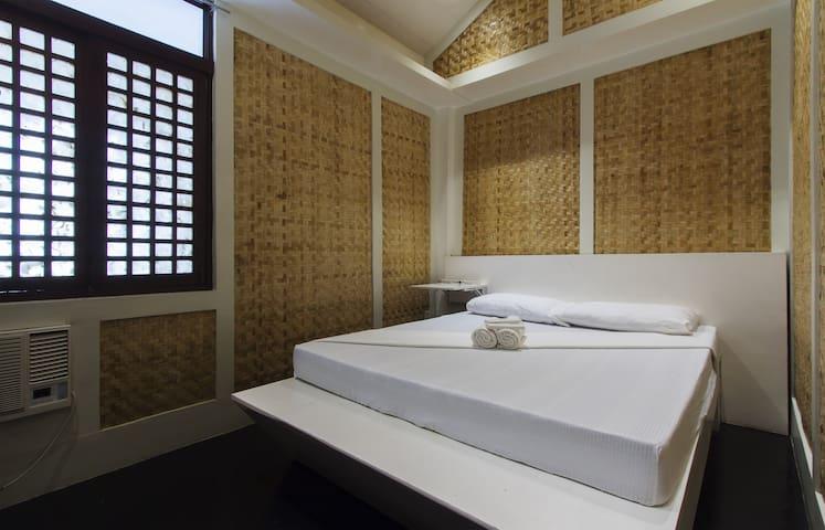 Deluxe Room Near The Baywalk - Puerto Princesa