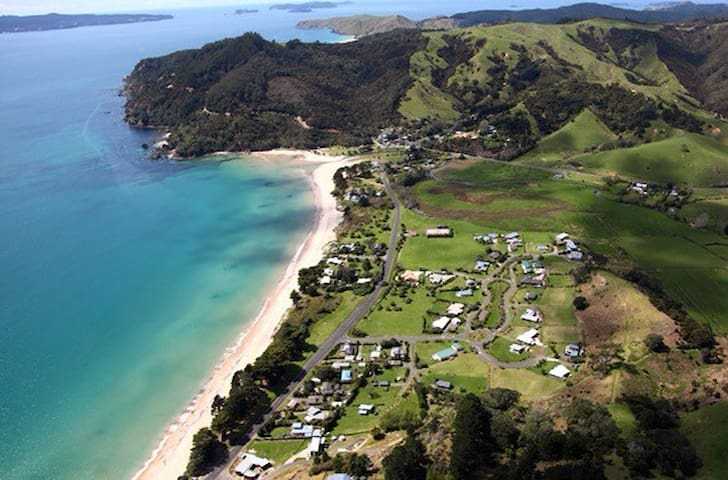 Farm Cabin by the Beach-Kuaotunu-Coromandel