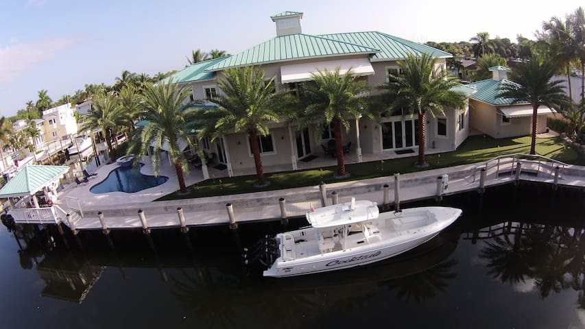Waterfront Oasis - Palm Beach Gardens - House