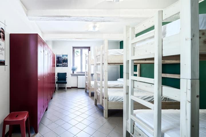 Camera 6 posti - Ostello La Goliarda