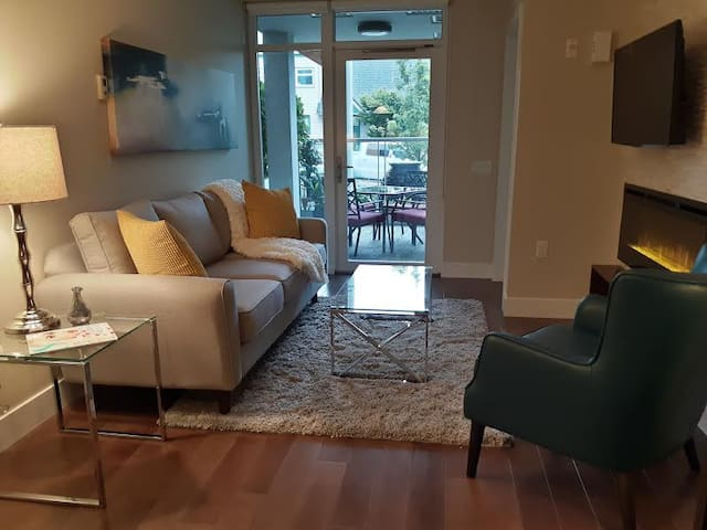 Modern Upscale 1BR Condo in Central Lonsdale - North Vancouver - Appartement en résidence
