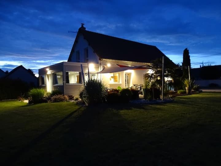 Maison spacieuse avec jacuzzi proche de Chambord
