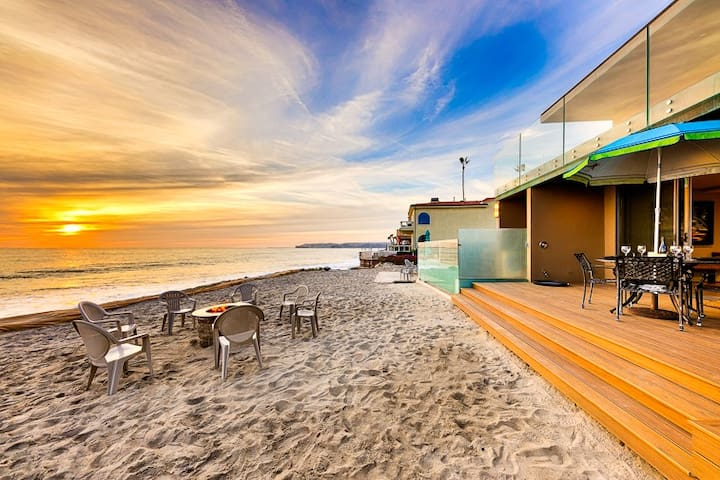 Amazing Oceanfront Home, Perfect Family Vacation Location!