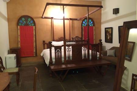 The Tamarind Tree Suites - บังกาลอร์ - ที่พักพร้อมอาหารเช้า