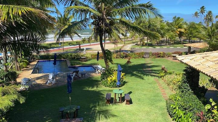 Casa rústica, pé na areia com piscina - Guarajuba