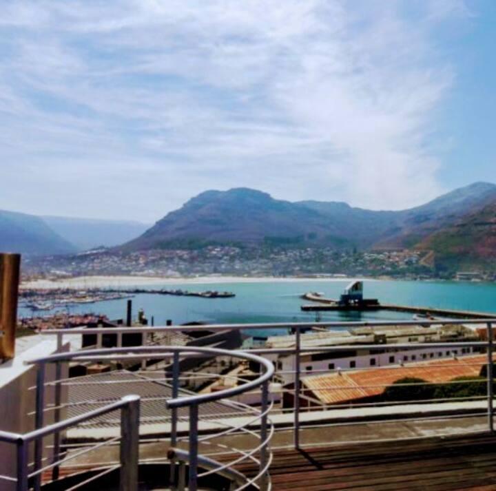 Atlantic Villa, Deck and Jaccuzie We back !