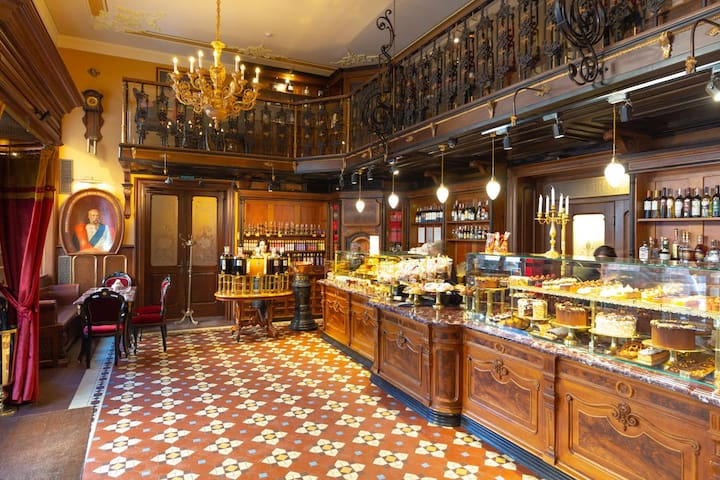 At the south end of Svoboda Prospect a truly imperial culinary experience awaits you in Cafe Apteka Mikolasch