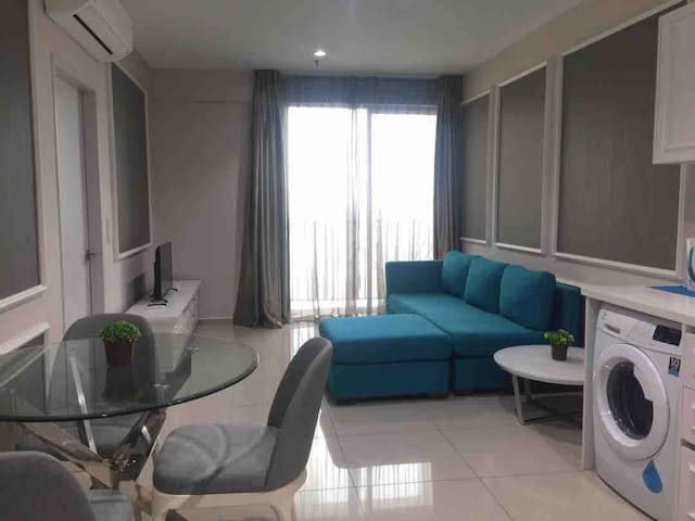 I-City Fully Furnished Apartment (Parisien Tower)