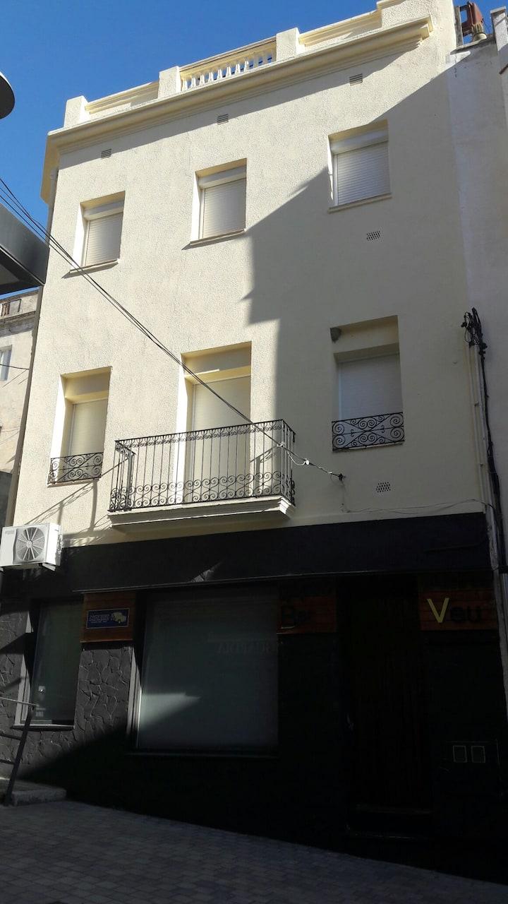 Appartement avec terrasse centre du village