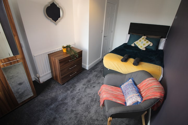 All double rooms with ensuites with fast broadband